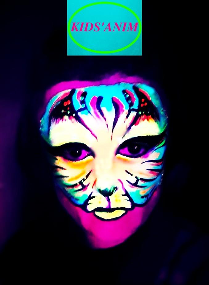 maquillage artistique soirée Fluo